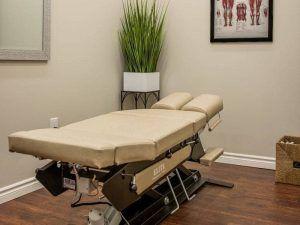 Chiropractic-Treatment-Room-Pillars-Of-Wellness-Burlington-Aldershot