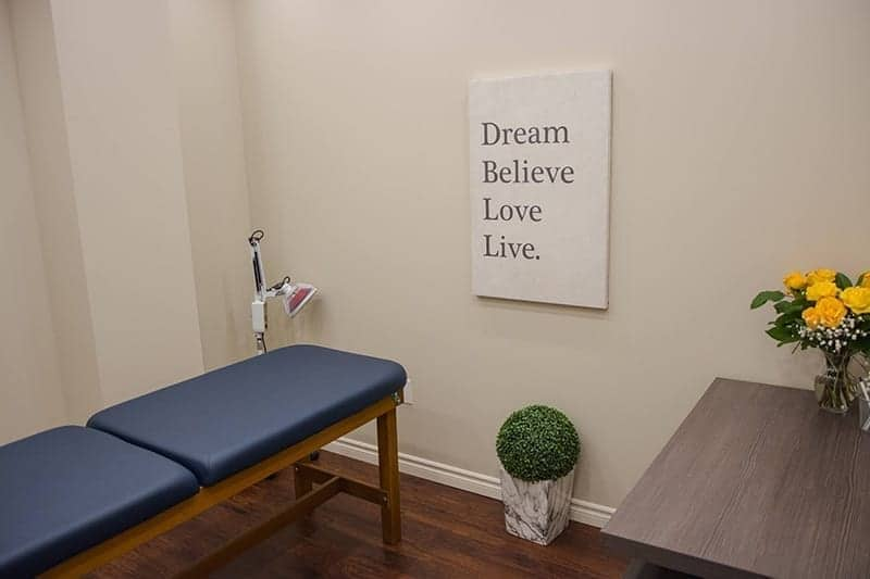 Naturopathic-Treatment-Room-Pillars-Of-Wellness-Burlington-Aldershot